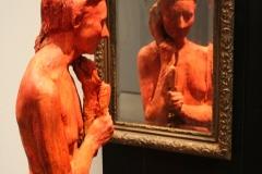 2018-04-11-Rotterdam-Kunsthal-045-George-Segal-1996-Staande-vrouw-kijkend-in-de-spiegel