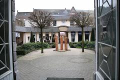 Maaseik-Beelden-in-de-Kloostertuin-1