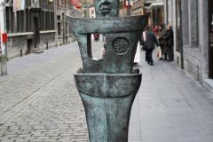 Maaseik-Standbeeld-De-Knapkoeker-2