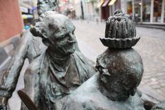 Maaseik-Standbeeld-Kaal-Lui-Lekker-Hoovaardig-6