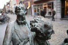 Maaseik-Standbeeld-Kaal-Lui-Lekker-Hoovaardig-8