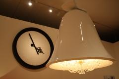 Sted-Mus-Amsterdam-416-Marcel-Wanders-Reuze-lamp-en-klok