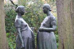 Charles-Leplae-1952-1953-Twee-Zwangere-Vrouwen-5-detail