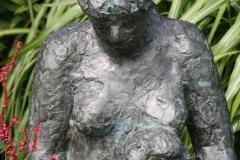 174-Nic-Jonk-Gehurkte-Vrouw-met-Kind-detail