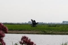 208-Landschap-met-sculptuur-van-Nic-Jonk