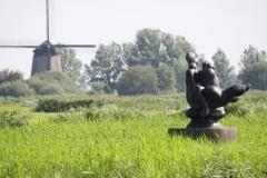 243-Vergezicht-met-molen-en-sculptuur