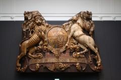 Rijksmuseum-Amsterdam-142-Houten-wapen-met-opschrift-Dieu-et-mon-droit