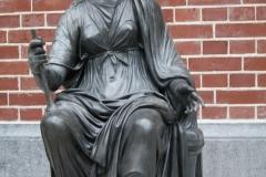 Rijksmuseum-Amsterdam-049-Beeld-godin