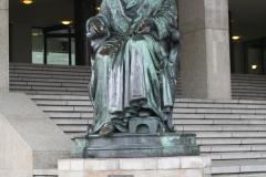 Rotterdam-039-Jozef-Geefs-1865-Gijsbert-Karel-van-Hogendorp-bij-de-Beurs