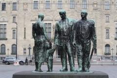Rotterdam-069-Mari-Andriessen-1957-Monument-voor-alle-Gevallenen-1940-1945