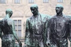 Rotterdam-070-Mari-Andriessen-1957-Monument-voor-alle-Gevallenen-1940-1945-detail