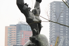 Rotterdam-143-Beeld-De-Verwoeste-Stad-door-Ossip-Zadkine-1953