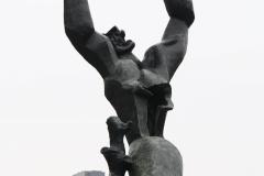 Rotterdam-153-Beeld-De-Verwoeste-Stad-door-Ossip-Zadkine-1953