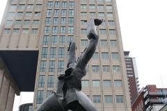 Rotterdam-157-Beeld-De-Verwoeste-Stad-door-Ossip-Zadkine-1953