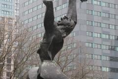 Rotterdam-163-Beeld-De-Verwoeste-Stad-door-Ossip-Zadkine-1953
