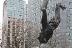 Rotterdam-164-Beeld-De-Verwoeste-Stad-door-Ossip-Zadkine-1953