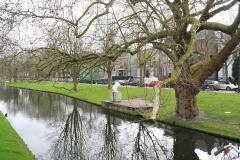 Rotterdam-261-Westersingel-met-sculptuur-De-Hals-van-John-Blake-2000