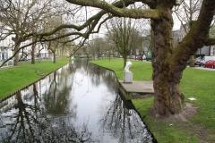 Rotterdam-262-Westersingel-met-sculptuur-De-Hals-van-John-Blake-2000