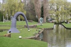 Rotterdam-270-Sculptuur-Schroef-door-Claes-Oldenburg-bij-Boymans-van-Beuningen-1982