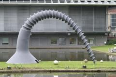 Rotterdam-288-Sculptuur-Schroef-door-Claes-Oldenburg-bij-Boymans-van-Beuningen-1982