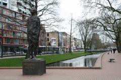 Rotterdam-311-Monument-Ongebroken-Verzet-door-Hubert-van-Lith-1965