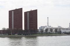 Rotterdam-078-Tweelinggebouwen-aan-de-Nieuwe-Maas