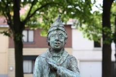 Sint-Truiden-230-Carnavalsbeeld-Raadsvriendje-door-Jos-Schrijnemaker-2003-detail