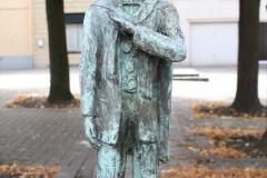 Sint-Truiden-231-Carnavalsbeeld-Raadsvriendje-door-Jos-Schrijnemaker-2003