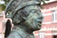 Sint-Truiden-232-Carnavalsbeeld-Raadsvriendje-door-Jos-Schrijnemaker-2003-detail