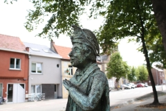 Sint-Truiden-233-Carnavalsbeeld-Raadsvriendje-Carnavalsbeeld-Raadsvriendje-door-Jos-Schrijnemaker-2003-detail