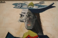 Pablo-Picasso-1942-Zittende-vrouw-met-vishoed-4-detail