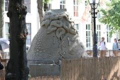 2018-07-24-Den-Haag-Zandsculpturen-012-Benjamin-Probanza-Liefde-voor-altijd-achter