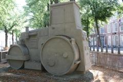 2018-07-24-Den-Haag-Zandsculpturen-028-Baldrick-Buckle-De-weg-vanaf-Scheveningen-wereldkampioen