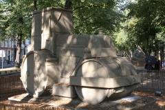 2018-07-24-Den-Haag-Zandsculpturen-030-Baldrick-Buckle-De-weg-vanaf-Scheveningen-wereldkampioen