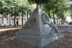 2018-07-24-Den-Haag-Zandsculpturen-033-Ilya-Filimontsev-Droom-veroorzaakt-door-de-vlucht-van-een-bij
