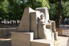 2018-07-24-Den-Haag-Zandsculpturen-070-Maxim-Gazendam-Verleden-en-Toekomst
